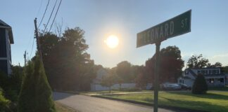 Leonard Street sign