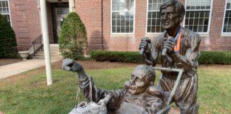 Team Hoyt statue